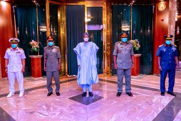 Breaking: Buhari presides as new Service Chiefs attend first security council meeting
